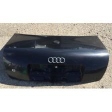 coffre noir Audi A6 4B (97 à 01) berline d'occasion